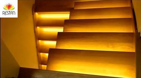 Den Set zum beleuchten von 8 Treppenstufen werden Sie selbständig  anschließen kö